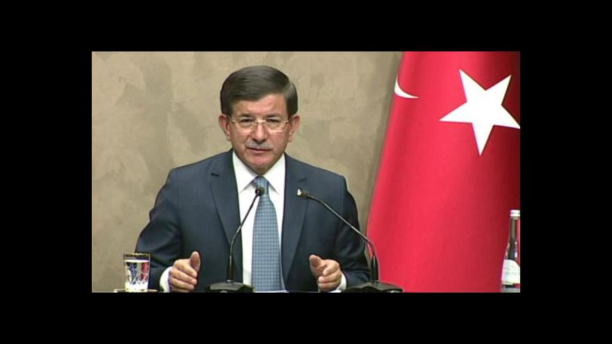 Video Turci útočí na tábory PKK v Iráku