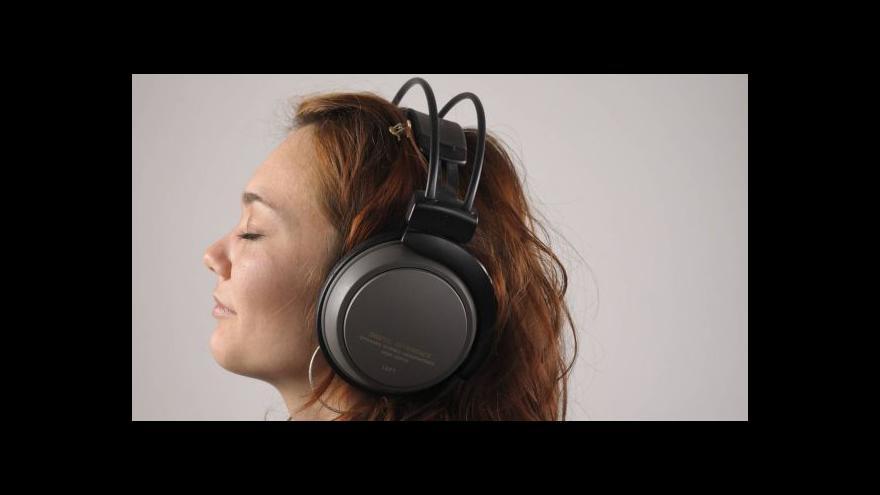 Video Události ČT: Sluch, nebo hluchota? Polovina mladých v ohrožení
