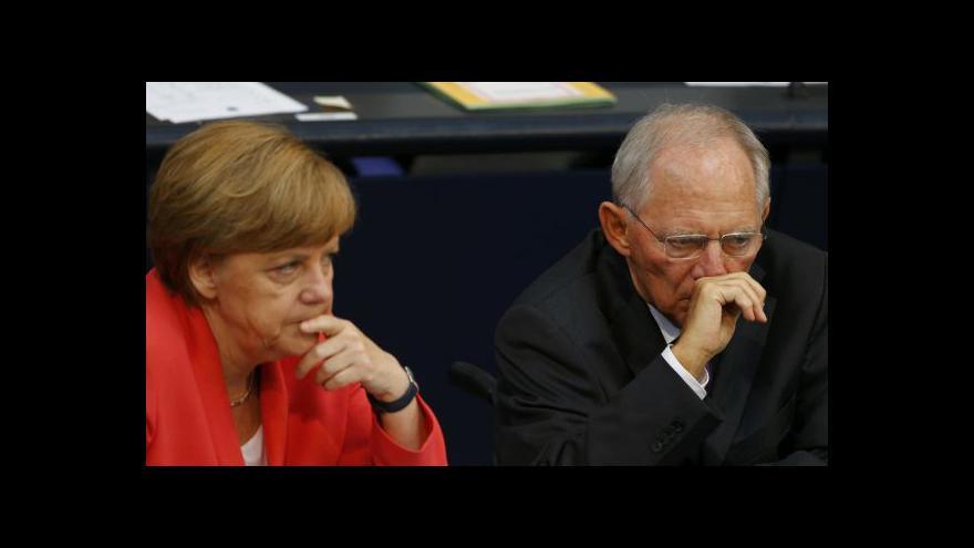 Video Němci a Rakušané schválili pomoc Řecku