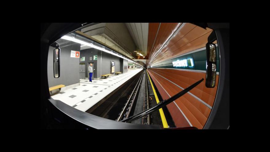 Video Události ČT: Radní zvedli ruku pro metro bez řidičů