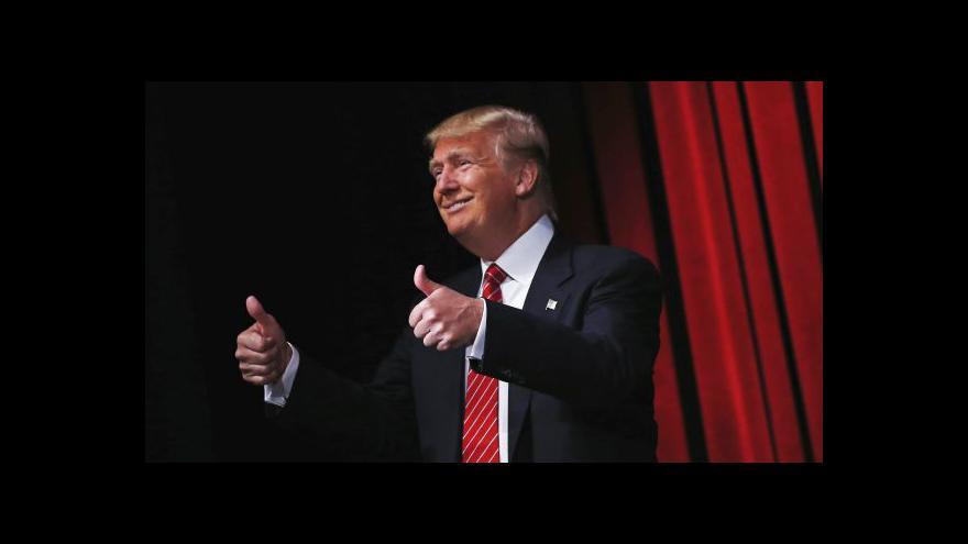 Video Události: Trump ani přes své skandály neztrácí přízeň voličů