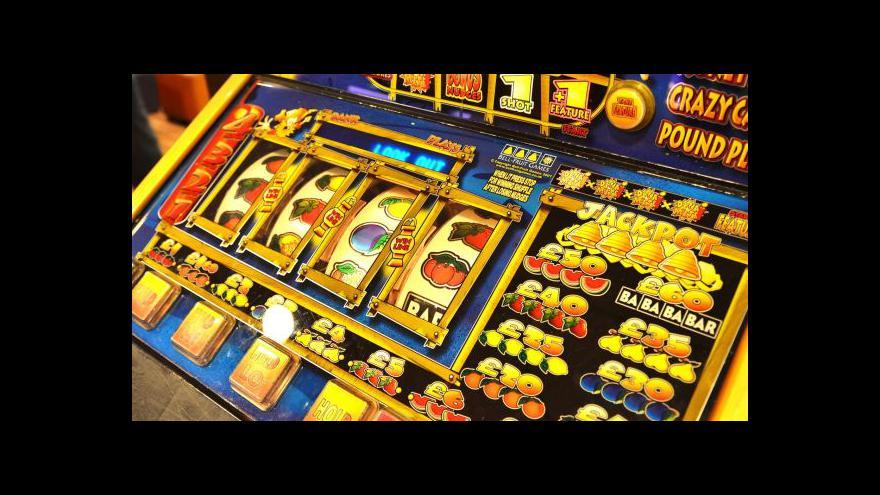 Video Vláda se rozhodla podpořit regulaci hazardu
