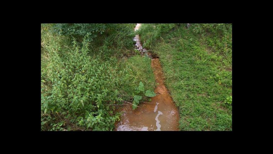 Video Události: Kvůli arzenu ve vodě odvolali v Jenišově starostu