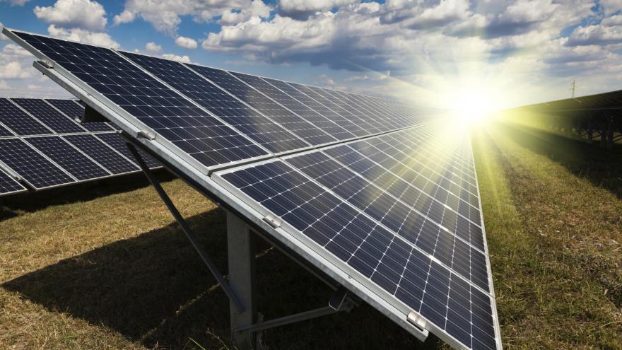 Video Solární paradox – čím větší horko, tím méně elektřiny