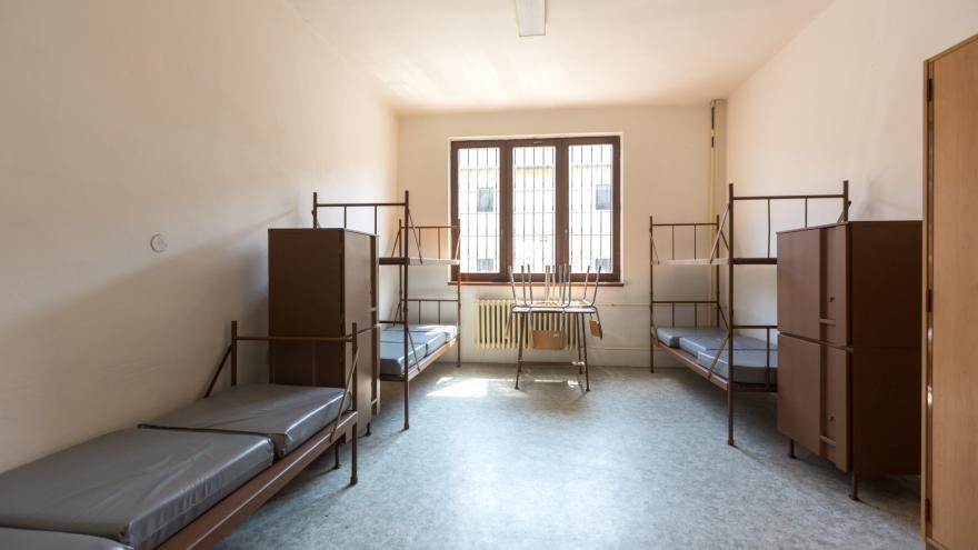 Video  Z bývalé celnice na německé straně Cínovce je ubytovna