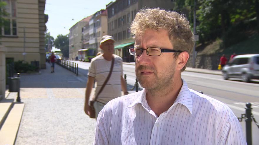 Video O zlevnění ročního jízdného hovoří náměstek Martin Ander (SZ)