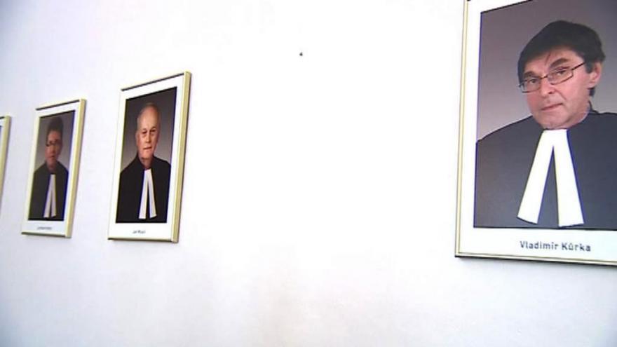 Video Ústavní soud v oslabení