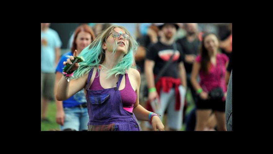 Video Na Mighty Sounds hrají Enter Shikari i F. X. Kalba