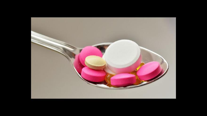 Video Dvořáček: Nedostatek léků řeckým pacientům nehrozí