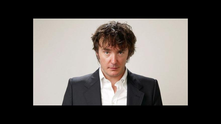 Video Do Česka přijede Dylan Moran