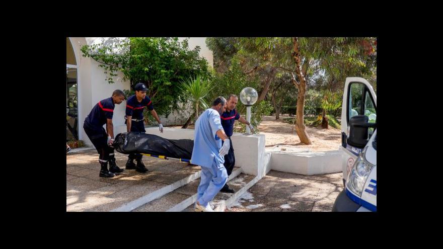 Video Amatérské záběry masakru v Tunisku