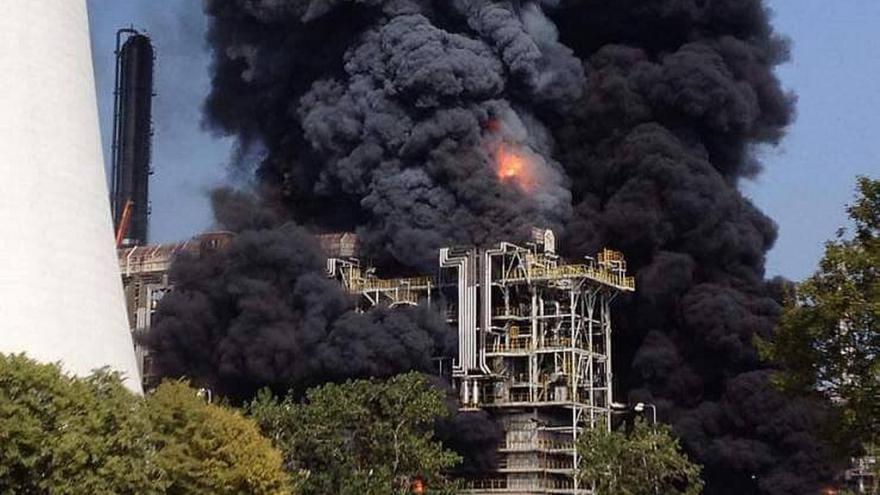 Video Požár v litvínovské chemičce Unipetrol (zdroj: iReporter, Radek Očenášek)