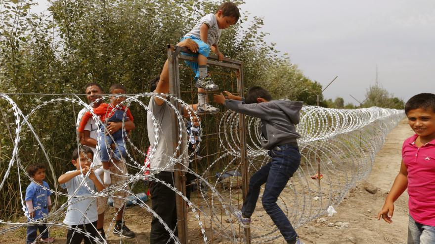 Video Přes Balkán do Maďarska míří stále víc lidí