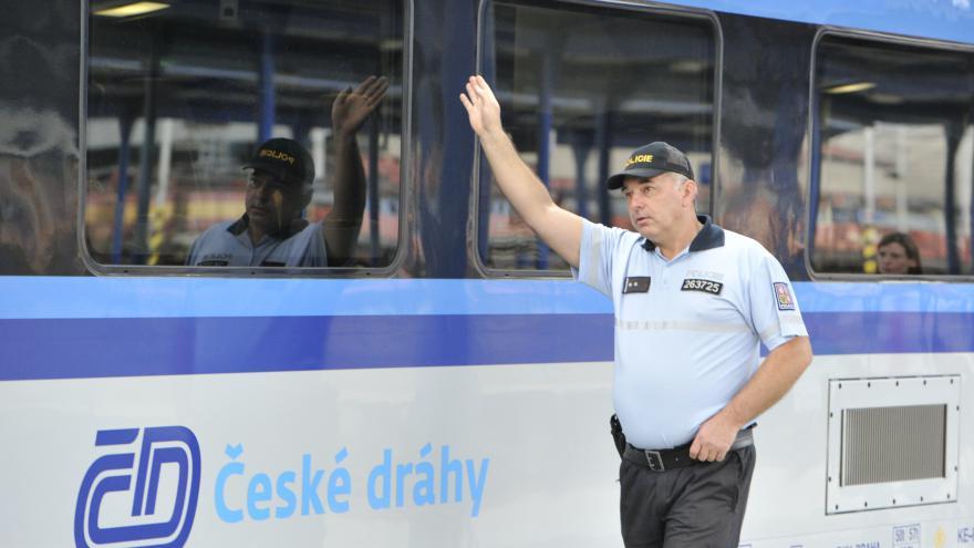 Video Události: Vlaky z Maďarska přijíždějí prázdné