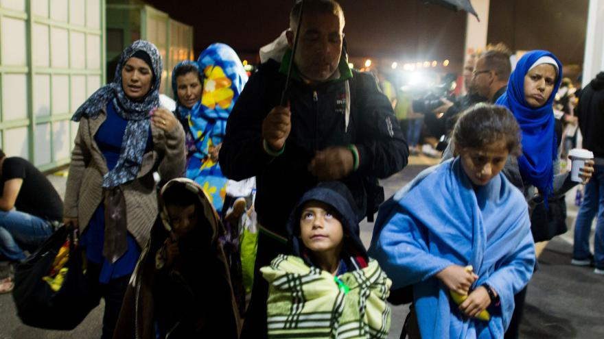 Video Do Bavorska dorazily první vlaky s uprchlíky