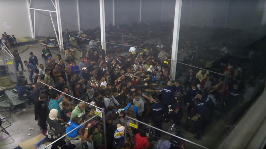 Video Záznam z uprchlického tábora v Röszke