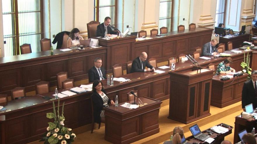 Video ŽIVĚ: Poslanecká sněmovna o migrační krizi