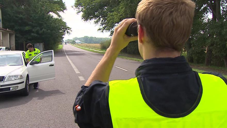 Video Bez komentáře: Policejní kontroly u hranic na jihu Moravy