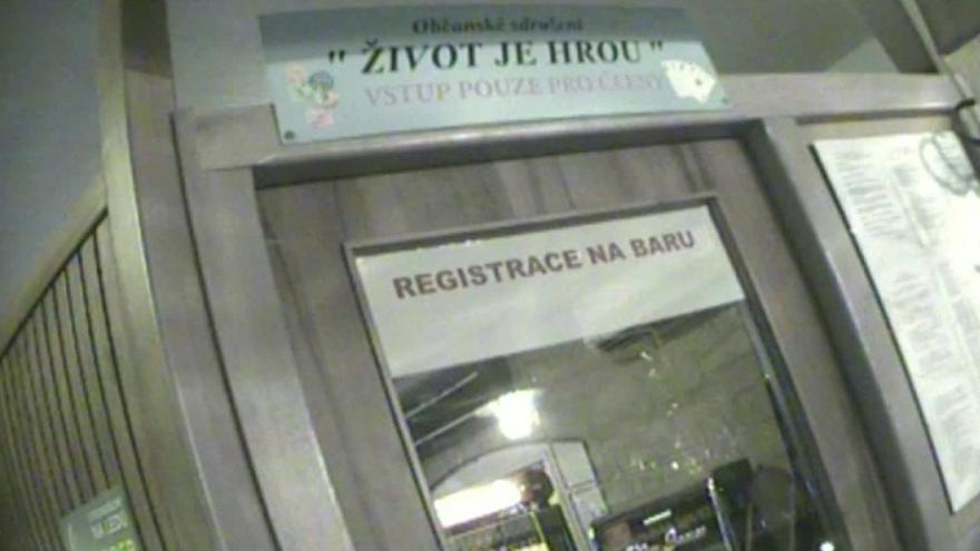 Video Záběry skryté kamery z herny v centru Brna