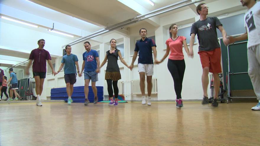 Video Zkouška bulharských tradičních tanců
