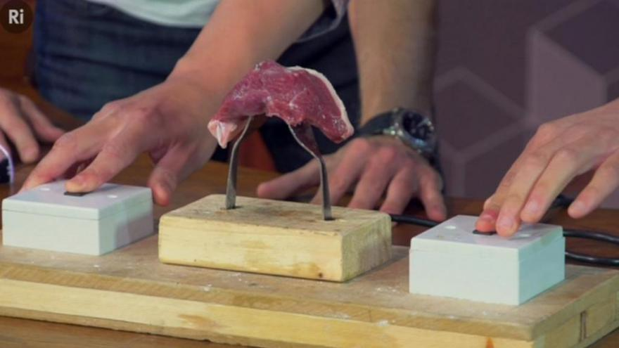 Video Grilování bez grilu aneb Jak příblížit vědu i laikům