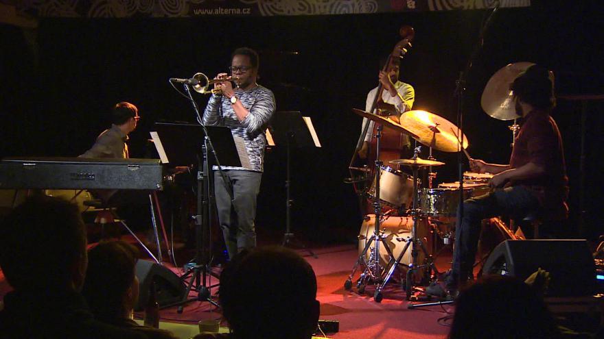 Video  Bez komentáře: Ambrose Akinmusire Quartet