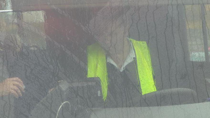 Video Řidiči navlékli vesty na protest proti mzdám i podmínkám soutěží