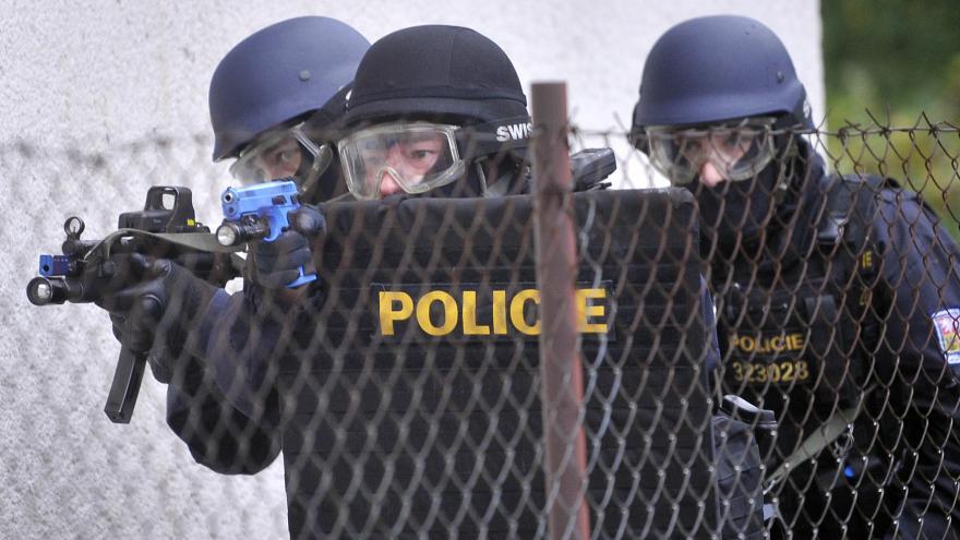 Video UDÁLOSTI: Protiteroristická opatření stanoví nová stupnice