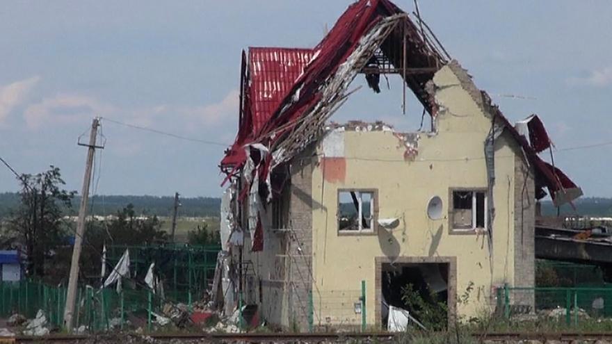 Video Na severním předměstí Doněcku od víkendu neustávají přestřelky