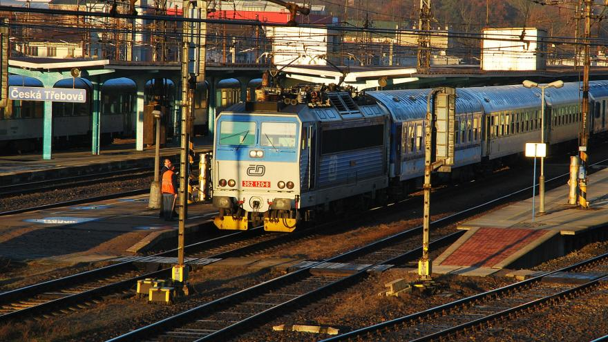 Video Mluvčí ČD: V pátek pojedou vlaky jako ve svátek, jinak než jsou v jízdním řádu