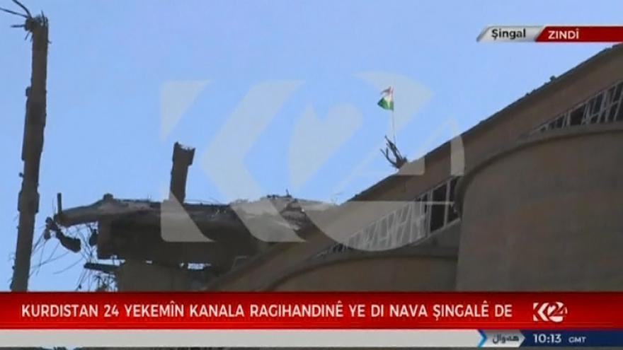Video Kurdové vstoupili do centra Sindžáru