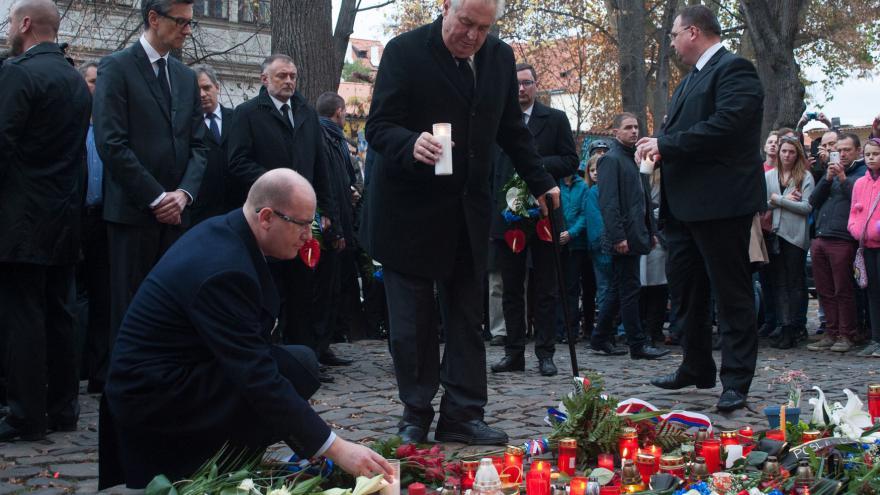 Video Premiér Sobotka: Musíme zničit IS