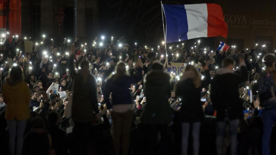Video BEZ KOMENTÁŘE: Všichni jednotni za Paříž