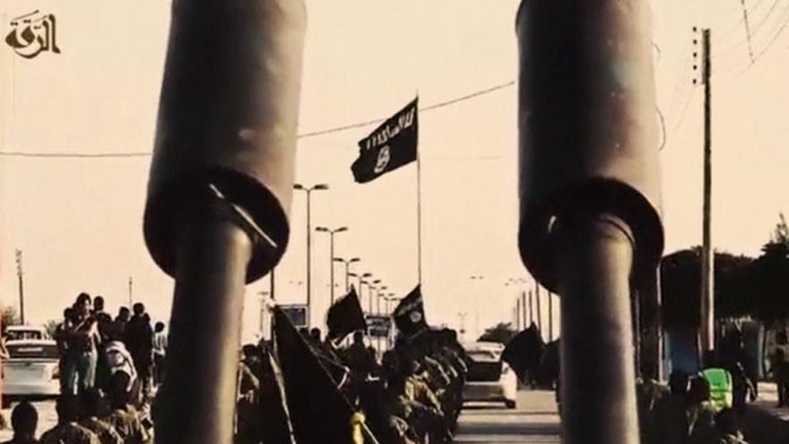 Video Z Rakká prchají radikálové IS