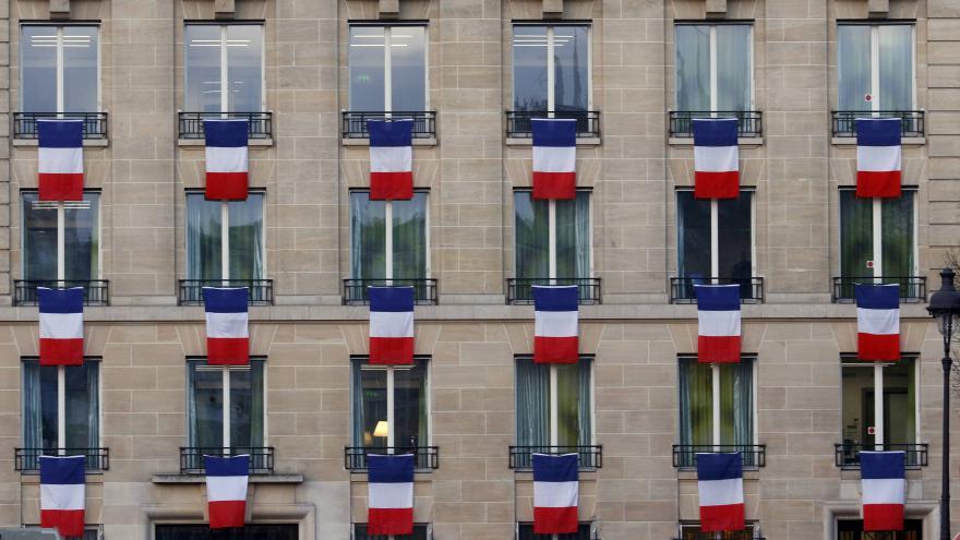Video Paříž uctila památku 130 obětí atentátů