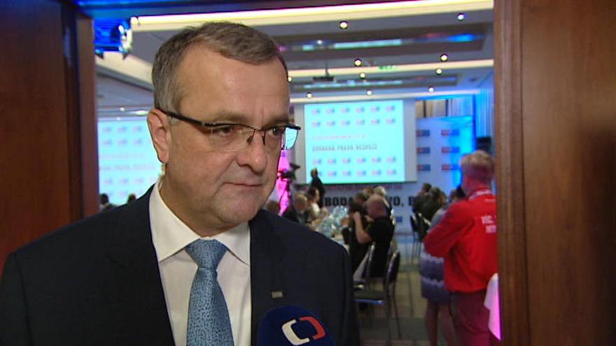 Video Kalousek: V nejužším vedení strany by mělo být co nejvíce političek