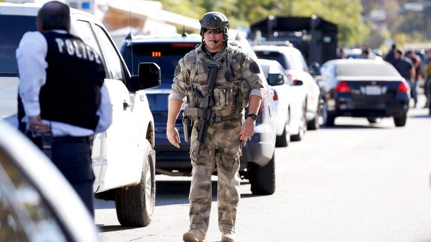 Video V domě útočníků ze San Bernardina se našlo velké množství výbušnin