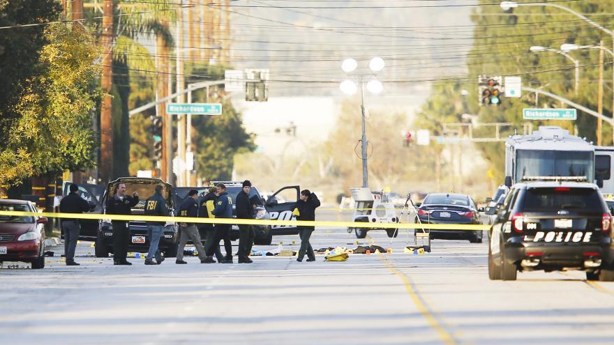 Video Události: Střelba v San Bernardinu - 14 mrtvých, 17 zraněných
