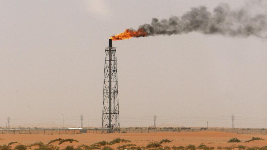 Video 90' ČT24 - Kam se vyšplhá cena ropy po útocích v Saúdské Arábii?