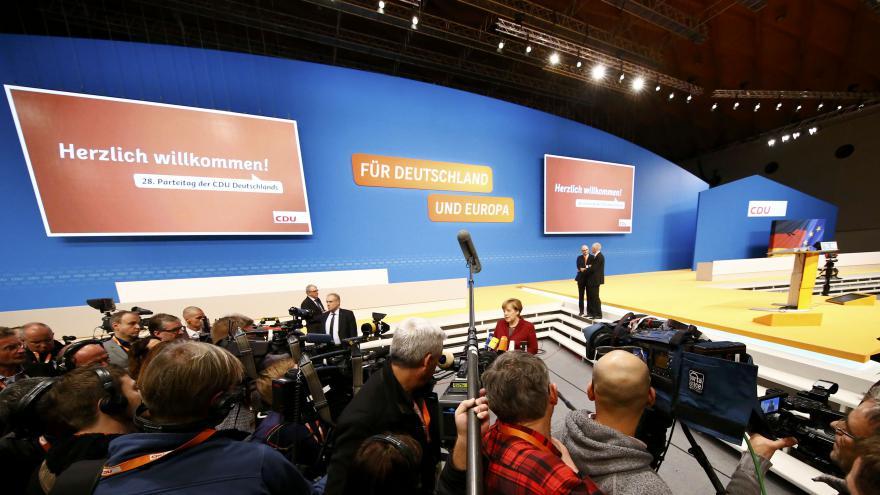 Video V Karlsruhe začal sjezd německé CDU