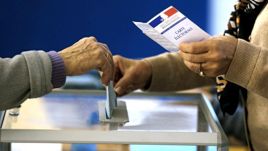 Video Mimořádné pořady ČT24 - Regionální volby ve Francii