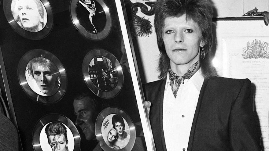 Video Hudební publicista Dědek: Bowie se řadí ke géniům jako byli The Beatles