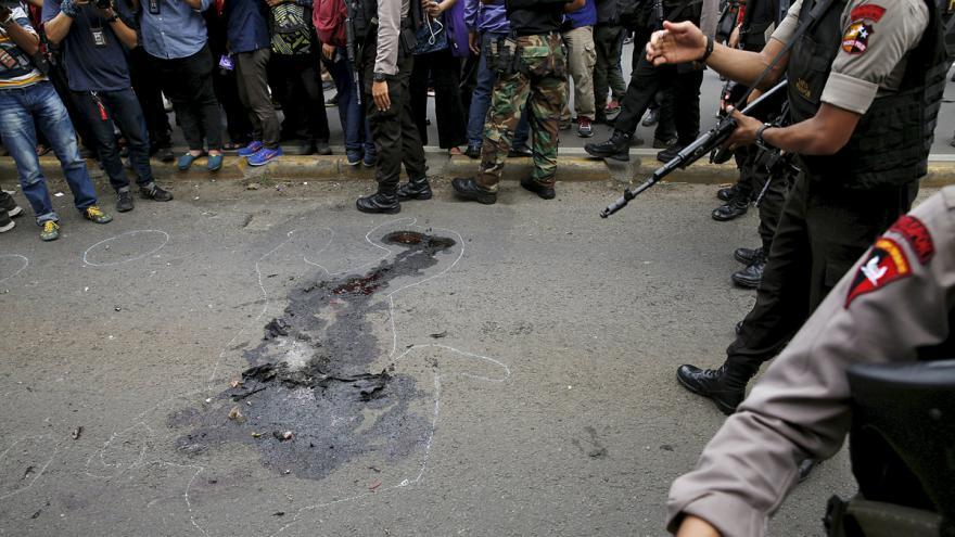 Video K atentátům v Jakartě se přihlásil IS