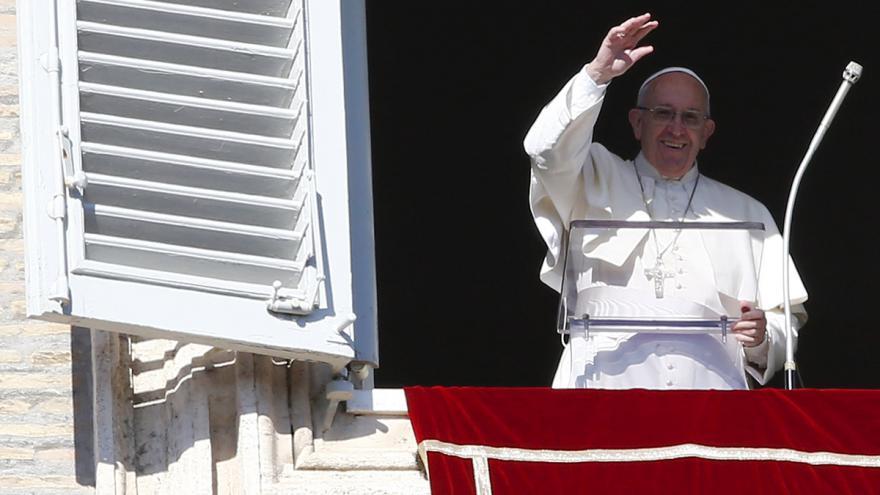 Video Tisíce běženců se zúčastnily modlitby s papežem