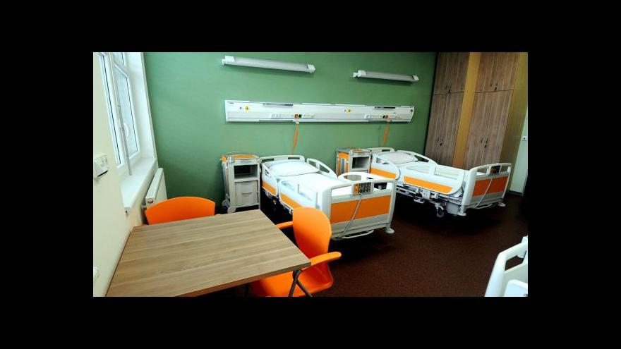 Video Zeman označil zrušení poplatků v nemocnici za chybu