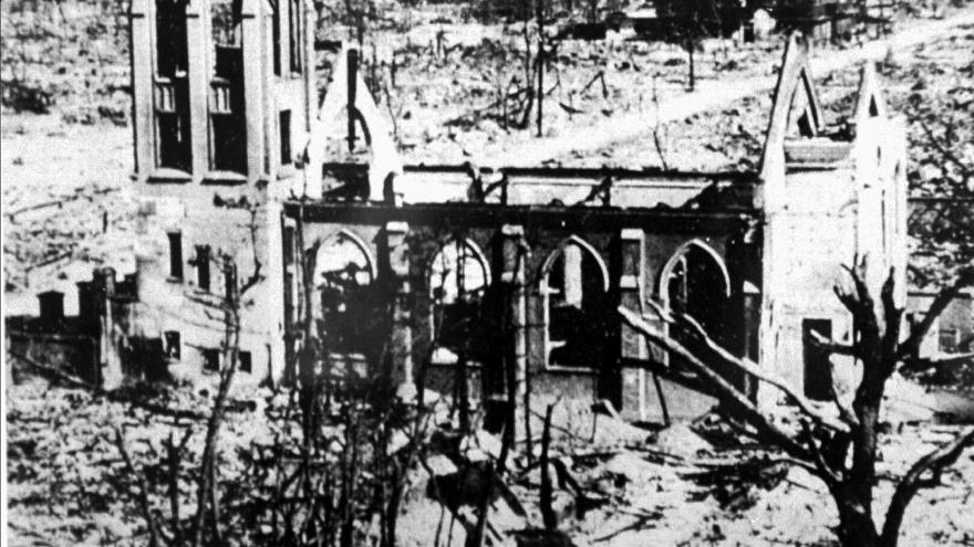 Video V Japonsku si připomínají svržení atomové bomby na Hirošimu