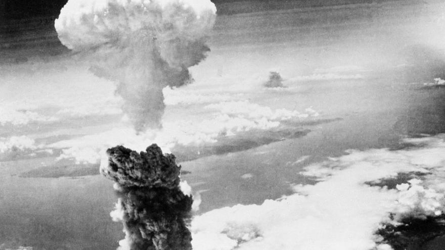 Video Po Hirošimě i Nagasaki. Japonsko vzpomíná na svržení druhé atomové pumy z roku 1945