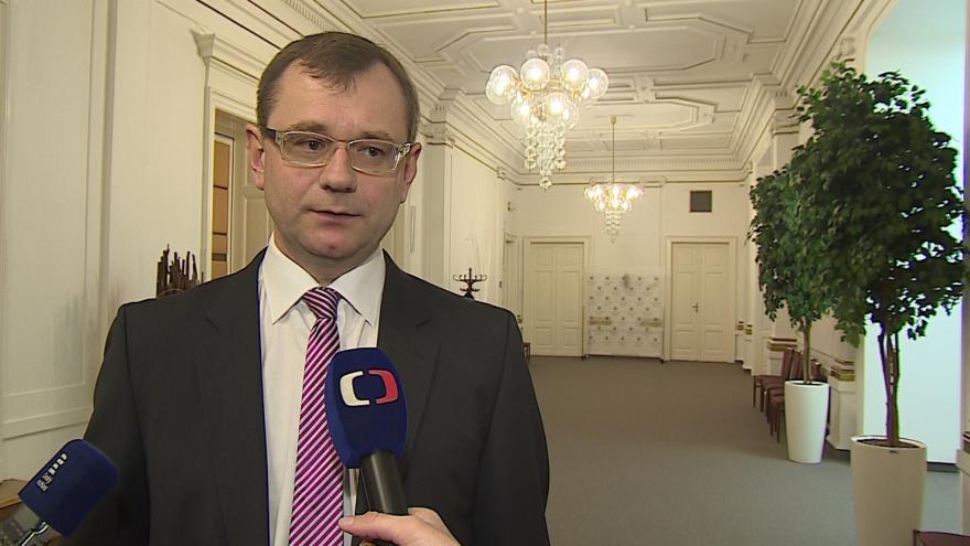 Video Soudce zpravodaj Vojtěch Šimíček k rozhodnutí Ústavního soudu