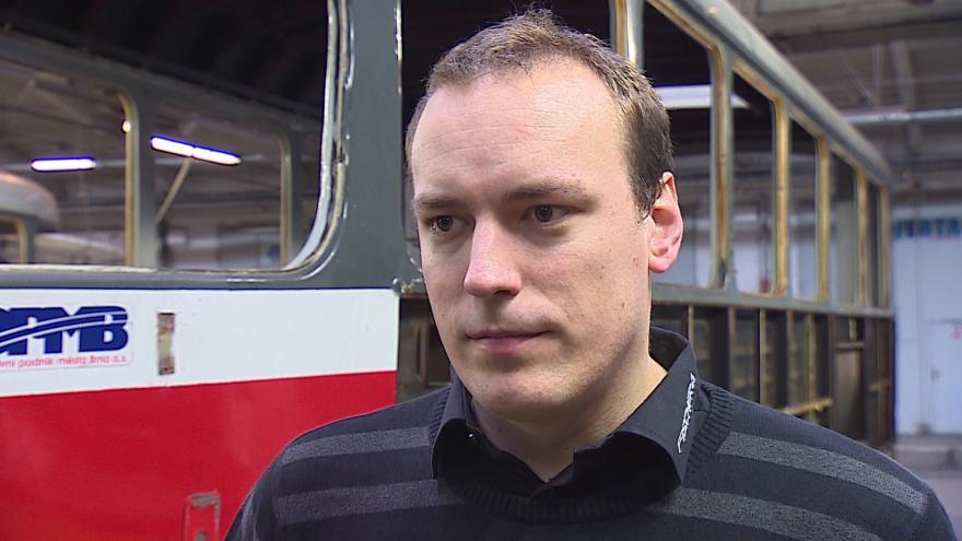 Video Jiří Černý z oddělení hlavního technika DPMB popisuje opravu tramvaje K2