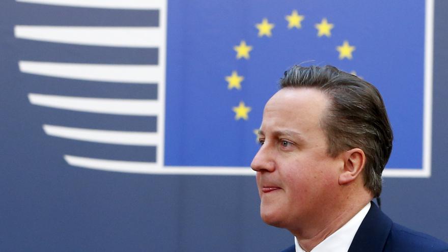 Video Politolog Hnízdo o Cameronově osudu: Je to tak trochu shakespearovské drama